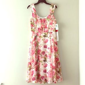 Rose Floral Dress, Size 8 NWT